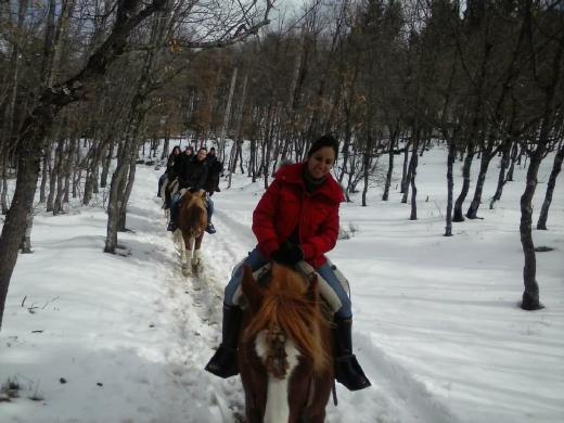 montar a caballo en invierno