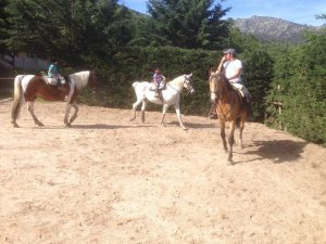 Por que tus hijos deben aprender a montar a caballo